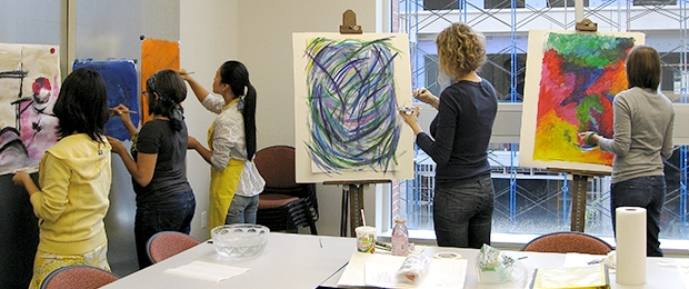 Colleges That Offer Art Therapy