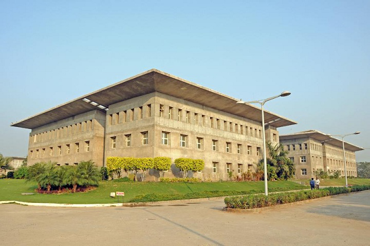 List of Best BBA Colleges in Ahmedabad
