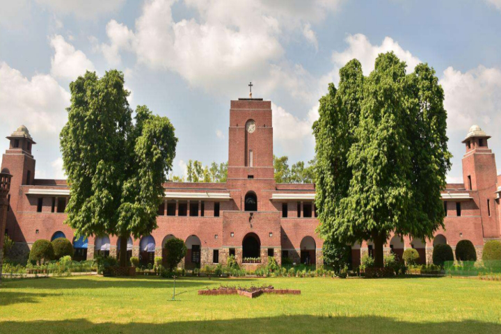 Colleges in India For M.A Economics