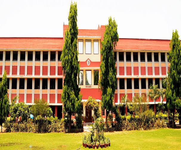 Top 10 Colleges Of DU For Commerce