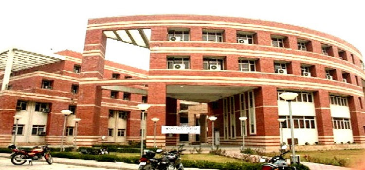 Best Law Colleges in Delhi